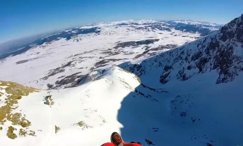 MOUNTAIN PARAGLIDING!